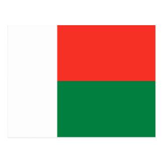 Carte postale de drapeau du Madagascar