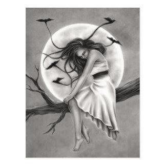 Carte postale de femme d'oiseaux de vol de