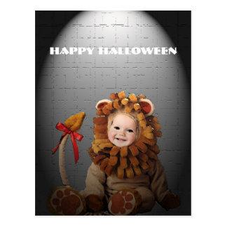 Carte postale de Halloween de lion de bébé