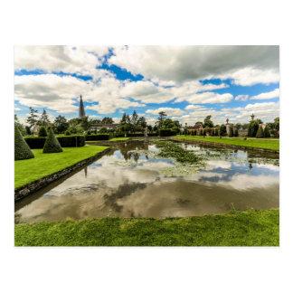 Carte postale de jardin de cour de Westbury