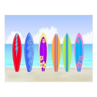 Carte postale de plage de planches de surf