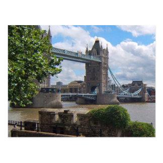 Carte postale de pont de tour de Londres