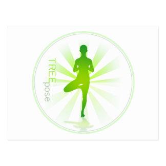 Carte postale de pose de yoga (pose d'arbre)