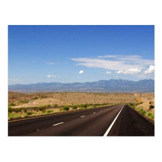 Carte postale de route de désert
