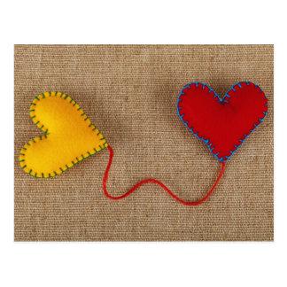 Carte postale de Saint-Valentin avec les coeurs