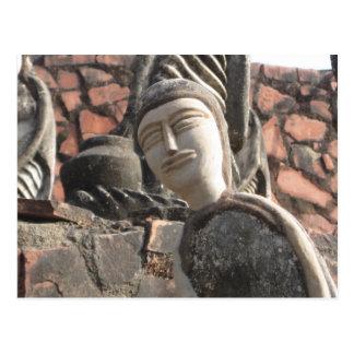Carte postale de sculpture en jardin de roche de
