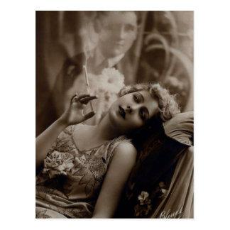 carte postale de tabagisme de femme d'art déco des