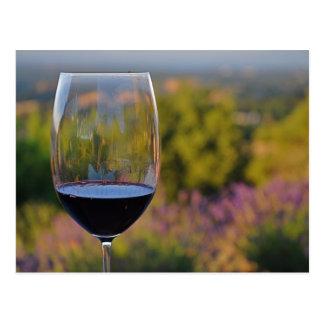 Carte postale de vin et de lavande