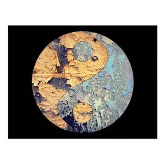 Carte postale de Yin Yang de délabrement