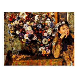 Carte Postale Dégazez - une femme assise près d'un vase de
