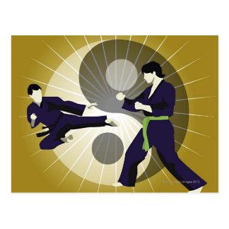 Carte Postale Deux hommes exécutant des arts martiaux devant a