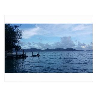 Carte Postale Dock de bateau d'île