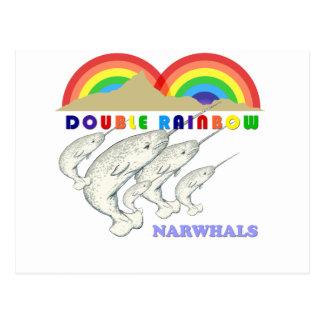 Carte Postale doubles narwhals d'arc-en-ciel