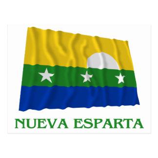 Carte Postale Drapeau de ondulation de Nueva Esparta avec le nom