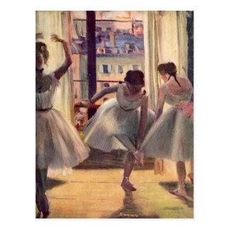 Carte Postale Edgar Degas - trois danseurs dans une salle de