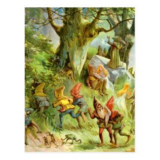 Carte Postale Elfes et gnomes dans la forêt magique foncée