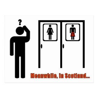 Carte Postale En attendant, dans la plaisanterie écossaise drôle