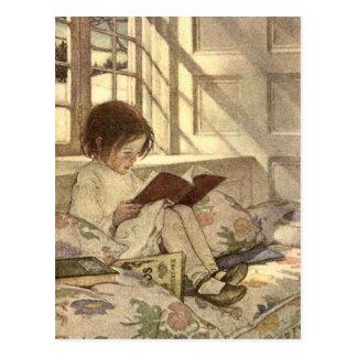 Carte Postale Enfant vintage lisant un livre, Jessie Willcox