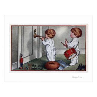 Carte Postale Enfants avec le tambour et la trompette
