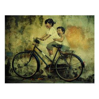 Carte postale/enfants d'art de rue sur le