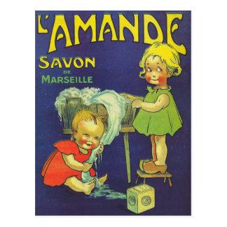Carte Postale Enfants français L'amande de publicité d'étiquette