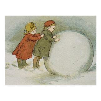 Carte Postale Enfants roulant des boules de neige