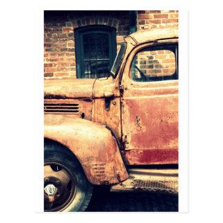 Carte Postale Épave rouge de camion