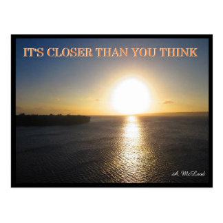 Carte postale étroite de Sun - la terre plate Meme