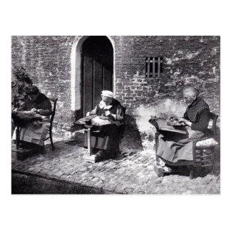 Carte Postale Fabricants vintages de dentelle de Bruges Belgique