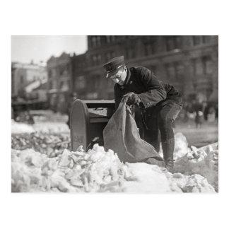 Carte Postale Facteur dans la neige, 1922