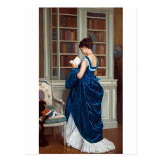 Carte Postale Femme dans le bleu, lisant un livre
