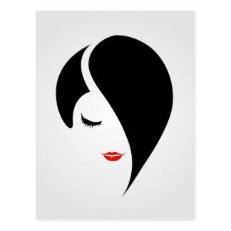 Carte Postale Femme dans le rouge à lèvres et les cheveux rouges