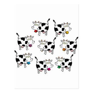 Carte Postale Femme de 8 vaches