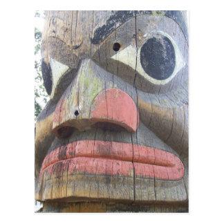 Carte Postale Fermez-vous d'un poteau de totem