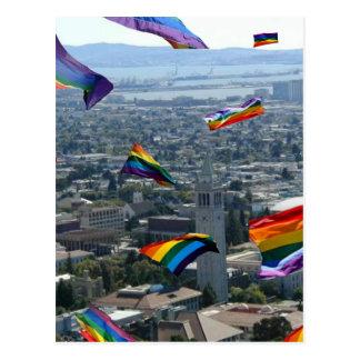 Carte Postale Fierté d'arc-en-ciel au-dessus de Berkeley