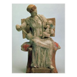 Carte Postale Figurine d'Aphrodite jouant avec l'eros