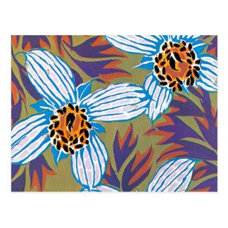 Carte Postale Fleurs blanches avec le feuille pourpre