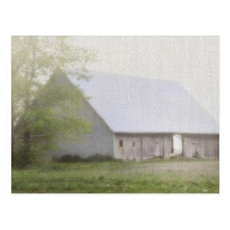 Carte Postale Grange avec le brouillard