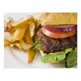 Carte Postale Hamburger et pommes frites