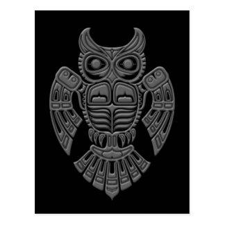 Carte Postale Hibou gris d'esprit de Haida sur le noir