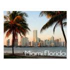 Carte Postale Horizon et port de Miami la Floride la nuit