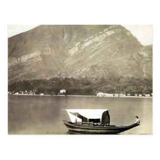 Carte Postale Image vintage de lac Como, bateau traditionnel de