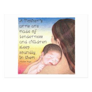Carte postale inspirée des bras d'une mère