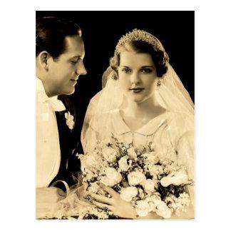 Carte Postale Jeunes mariés vintages de mariage