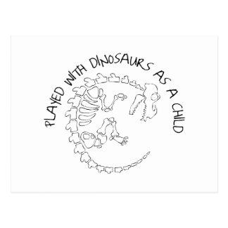 Carte Postale Joué avec des dinosaures en tant qu'enfant