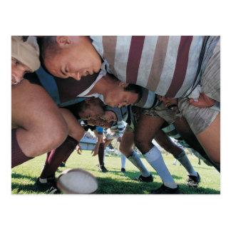 Carte Postale Joueurs des syndicats de rugby dans une bousculade