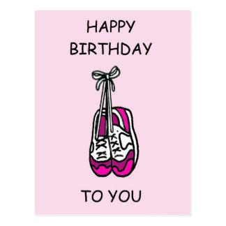 Carte Postale Joyeux anniversaire, entraîneurs roses pour le