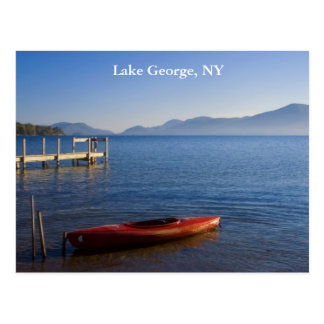 Carte Postale Kayak rouge sur le lac George, NY