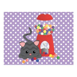 Carte Postale Kitty jouant avec Gumballs