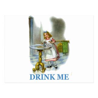 Carte Postale La bouteille a indiqué me boivent, ainsi Alice a